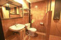 hostel room bathroom club one seven