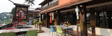 Club One Seven Chiang Mai - Gay Guest House Cafe
