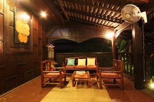 Club One Seven - Guest House Terrace
