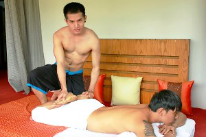 Massage service at CLub One Seven